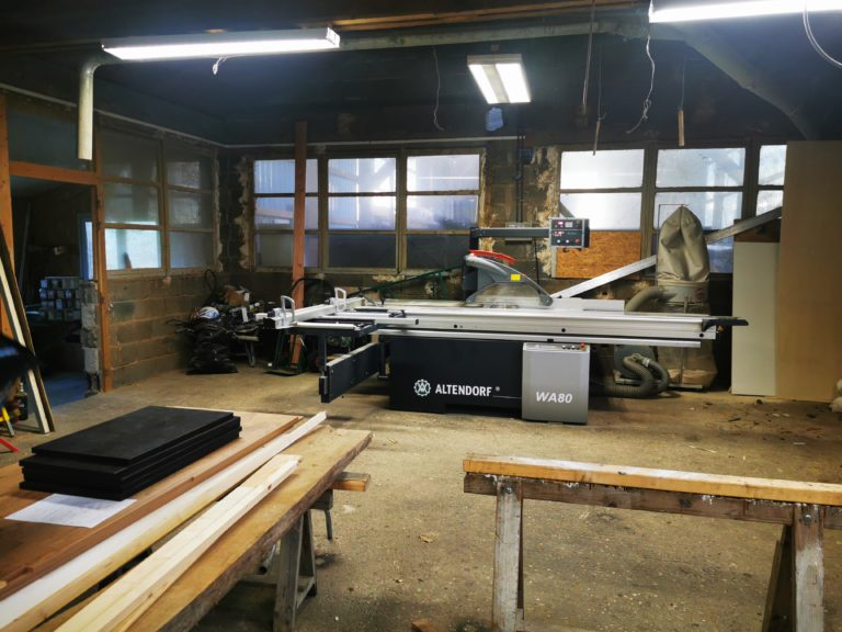 Atelier moderne de construction de tiny house